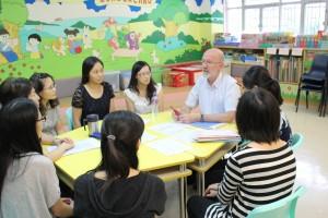 教育局外籍老師與英文科老師討論學習策略